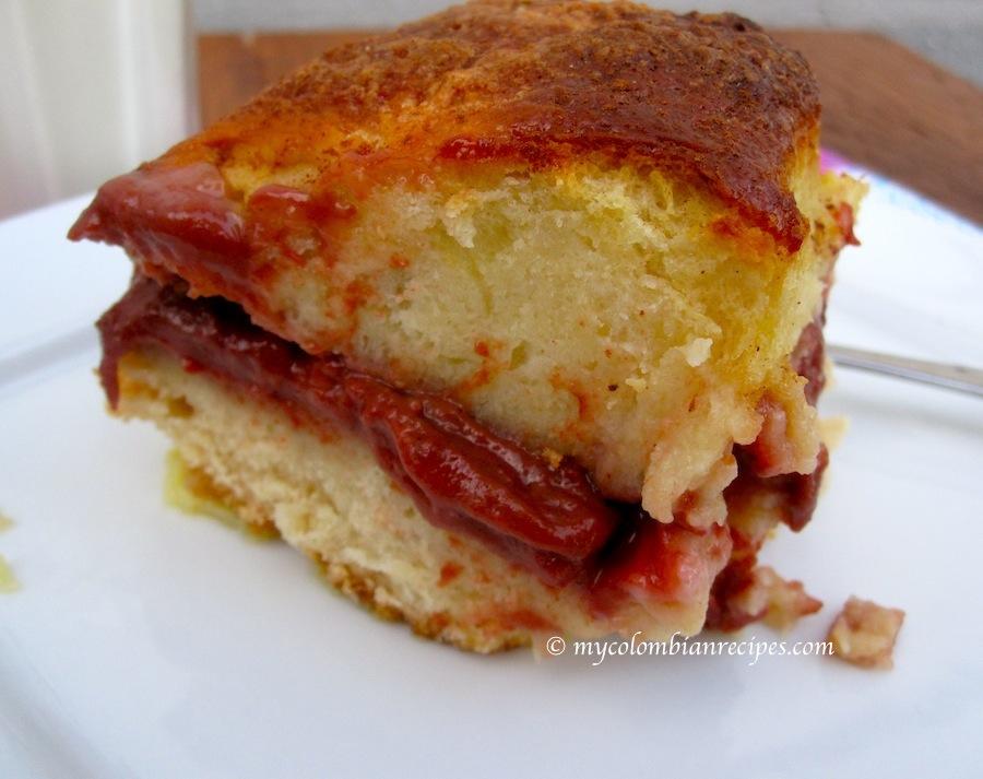 Torta de Pan Mojicón (Mojicón Bread Pudding Cake)
