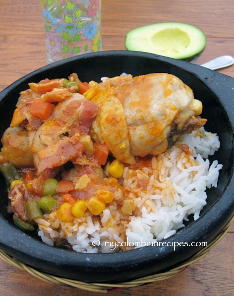 Estofado de Pollo con Tocineta (Chicken Stew with Bacon)