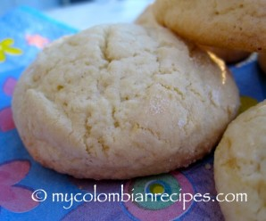 Panderos (Colombian Yuca Starch Cookies) |mycolombianrecipes.com