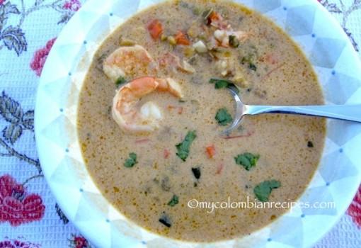 Sopa de Camarones, Coco y Plátano (Shrimp, Coconut and Plantain Soup) |mycolombianrecipes.com