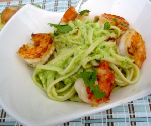 Pasta with Avocado Sauce and Garlic Shrimp