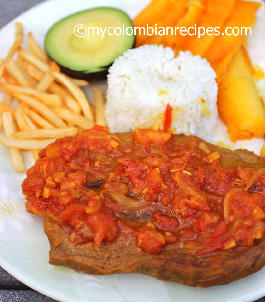 Sobrebarriga en Salsa Criolla (Flank Steak with Colombian Creole Sauce)