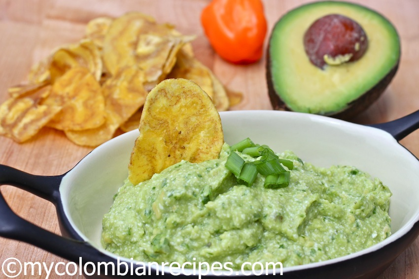 Ají de Aguacate (Colombian Hot Avocado Sauce)