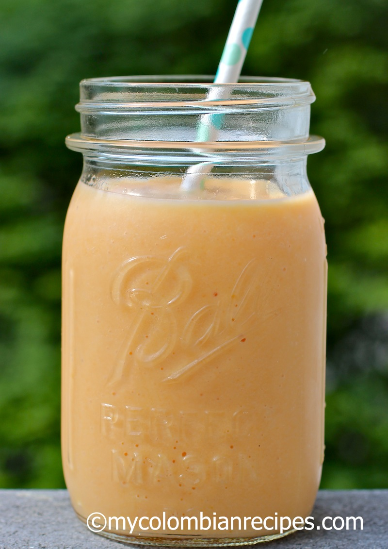 Batido de Papaya (Colombian Papaya Smoothie)