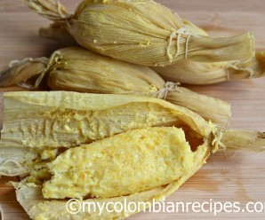 Bollos de Mazorca (Steamed Fresh Corn Rolls) |mycolombianrecipes.com