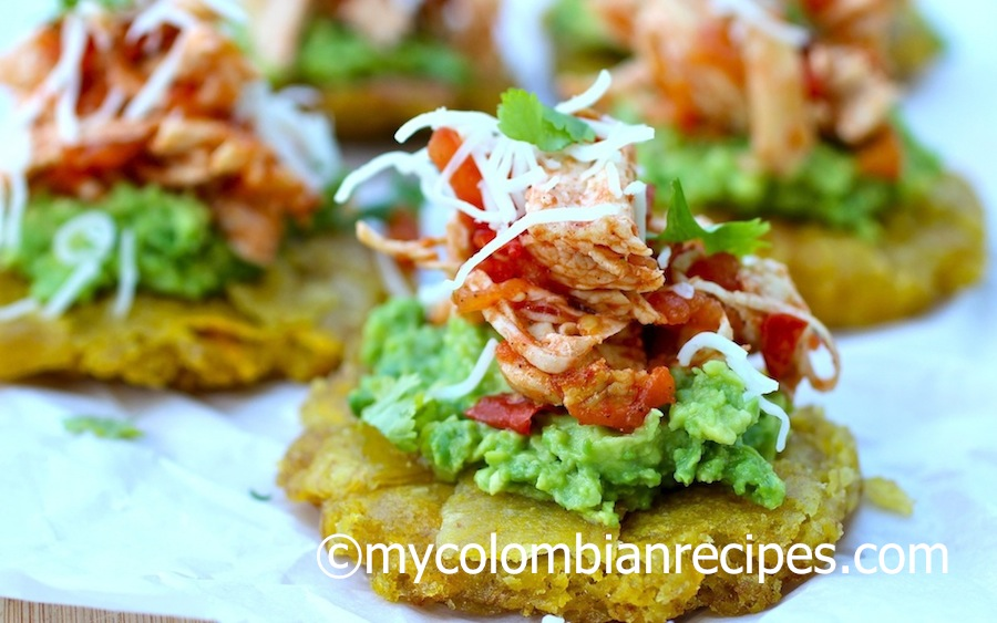 Patacones with Shredded Chicken and Avocado (Patacones con Pollo Desmechado y Aguacate)