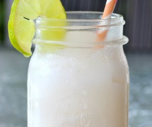 Coco Loco (Colombian Coconut Cocktail) |mycolombianrecipes.com