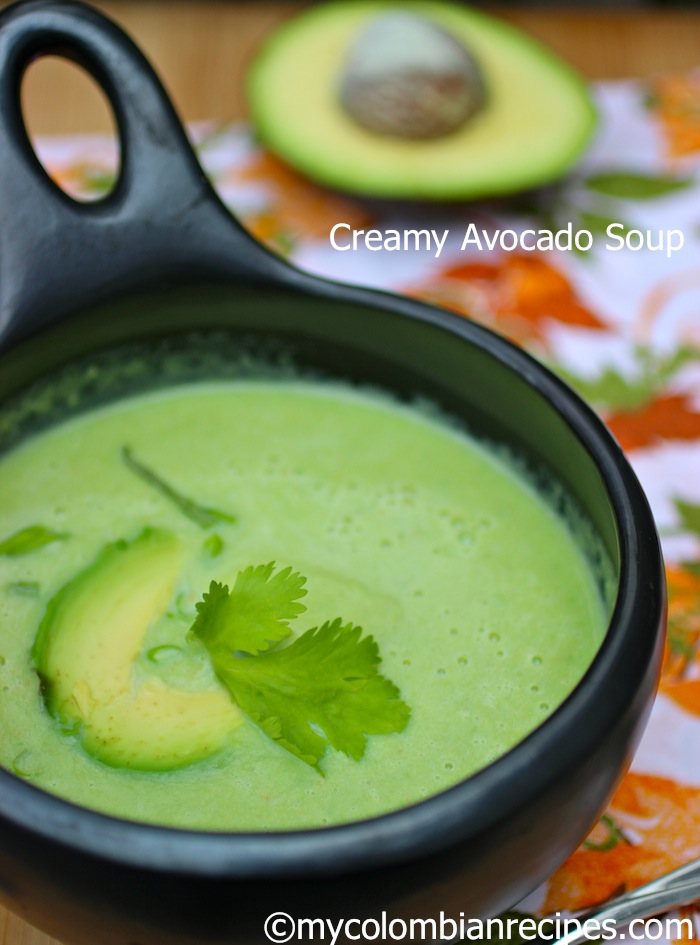 Sopa de Aguacate Colombiana