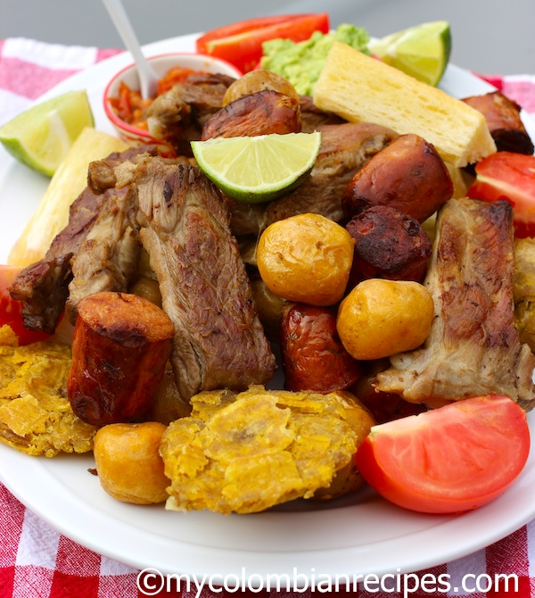 Fritanga o picada colombiana fried food platter my for Ideas de almuerzos caseros