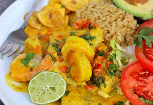 "<span class=""p-name"">Encocado de Pescado y Camarón (Fish and Shrimp in Coconut Sauce)</span>"
