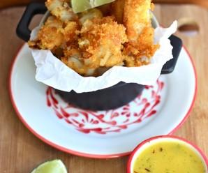 Chicharrón de Pescado con Ají de Mango (Fish Fritter with Mango Sauce) |mycolombianrecipes.com