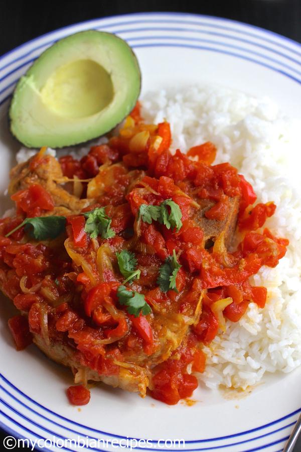 Chuletas de Cerdo a la Criolla (Pork Chops in Creole Sauce)