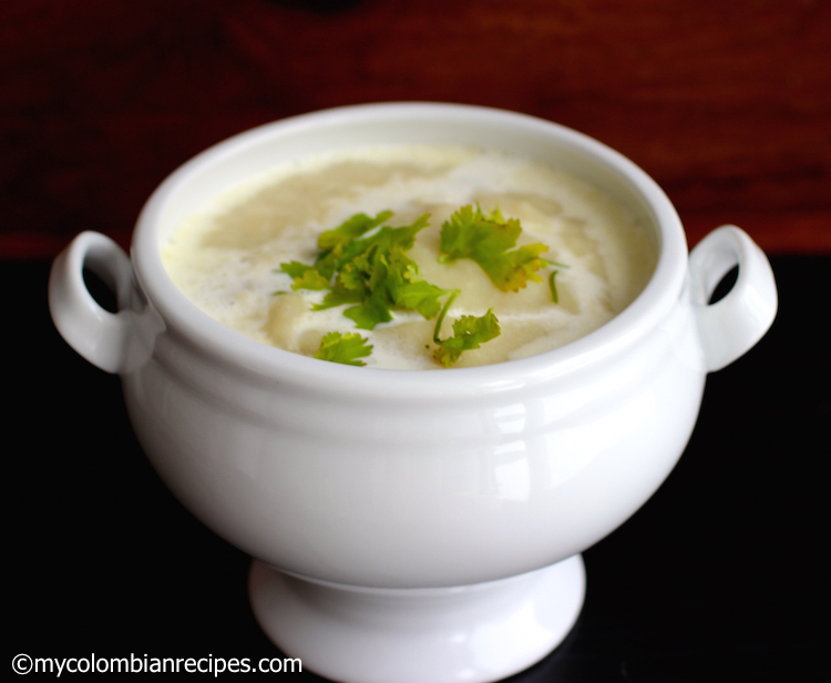 Crema de Pollo (Cream of Chicken Soup)