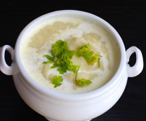 Crema de Pollo (Cream of Chicken Soup) \mycolombianrecipes.com