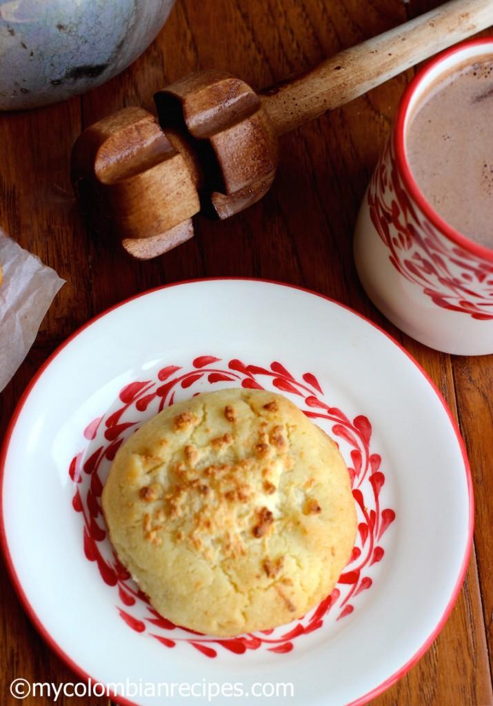 Garullas (Corn Meal and Fresh Cheese Bread) |mycolombianrecipes.com