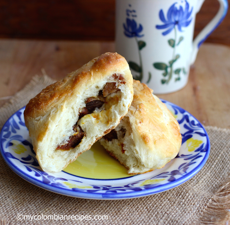 Mogolla Chicharrona (Crispy Pork Belly Stuffed Bread) |mycolombianrecipes.com