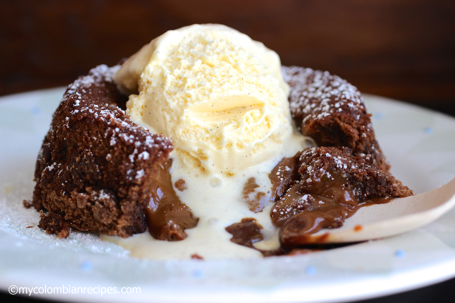 Chocolate-Dulce de Leche Lava Cake | My Colombian Recipes