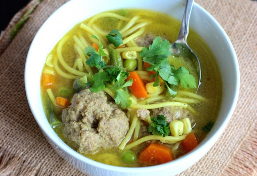 Sopa de Fideos con Albóndigas (Spaghetti and Meatballs Soup)  mycolombianrecipes.com
