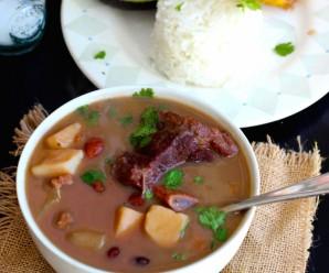 Sopa de Frijoles con Carne (Beans and Beef Soup) |mycolombianrecipes.com