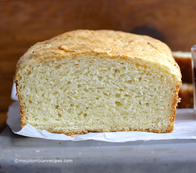 Pan Aliñado Colombiano (Seasoned Colombian Bread) |mycolombianrecipes.com