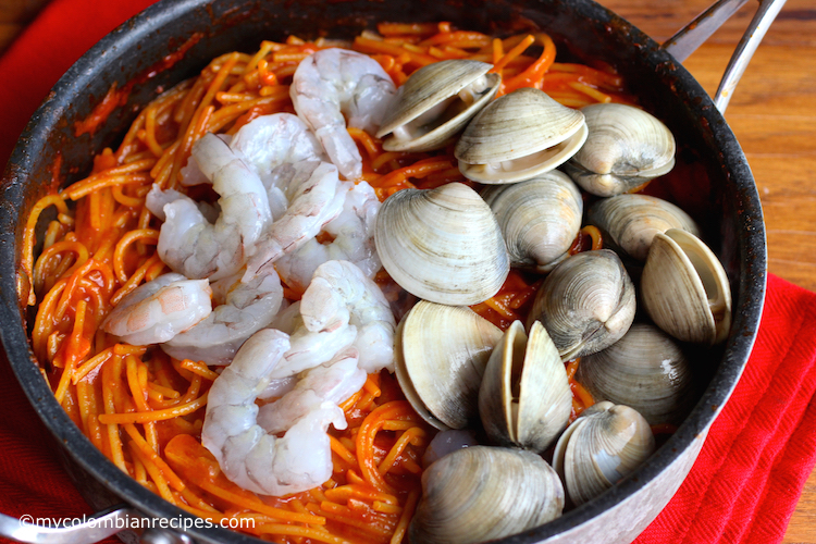 One Pasta Pasta with Tomato Sauce and Seafood