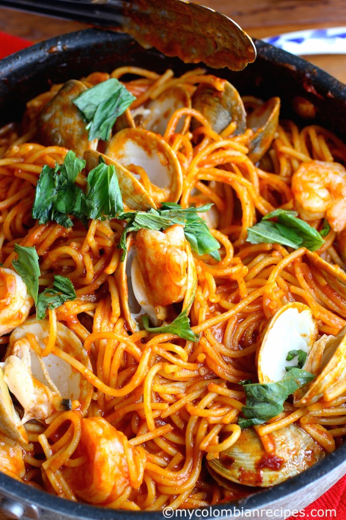 One Pot Pasta Tomato Sauce with Seafood