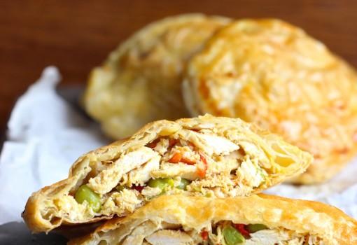 Pasteles de Pollo con Verduras (Colombian-Style Chicken Pastries) |mycolombianrecipes.com