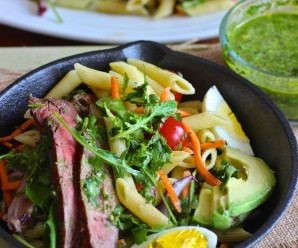 Penne Pasta, Steak and Chimichurri Salad|mycolombianrecipes.com