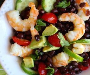 Shrimp, Avocado and Black Bean Salad |mycolombianrecipes.com