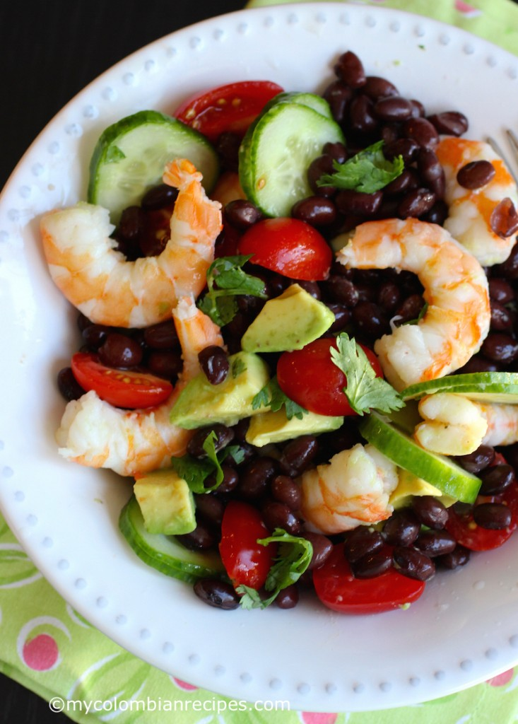 Shrimp, Avocado and Black Bean Salad |mycolombianrecipes.com