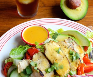 Grilled Chicken Salad with Mango Chipotle Dressing |mycolombianrecipes.com