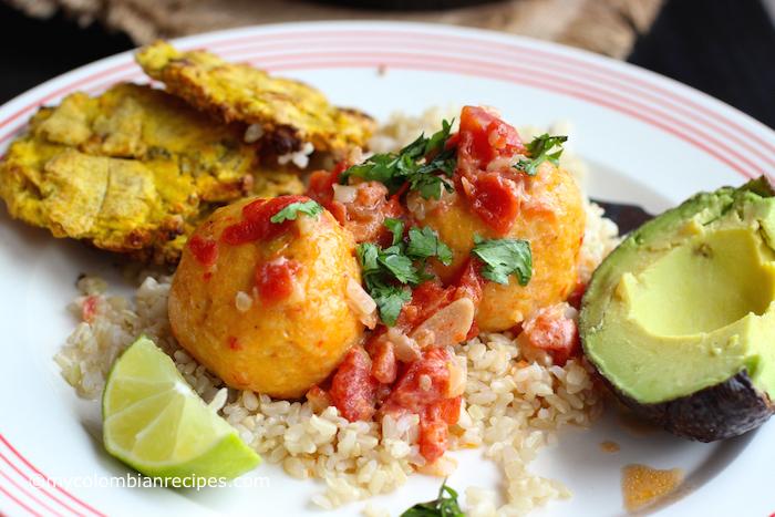 """Albóndigas de Pescado (Fish """"Meat Balls"""" in Coconut Sauce)"""