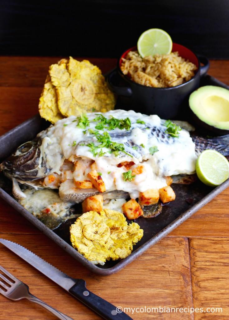 Pescado Relleno de Mariscos (Whole Fish Filled with Seafood) |mycolombianrecipes.com