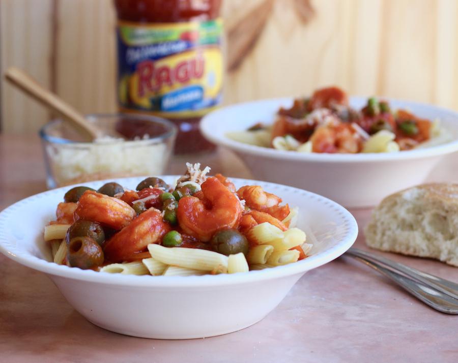 Pasta with camarones enchilados