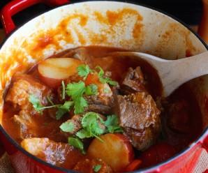 Beef Cheek Stew (Estofado de Cachetes de Res)  mycolombianrecipes.com